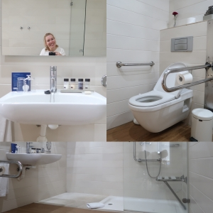 Collage van de badkamer in de hotelkamer voor mindervaliden in hotel H10 Big Sur op Tenerife.